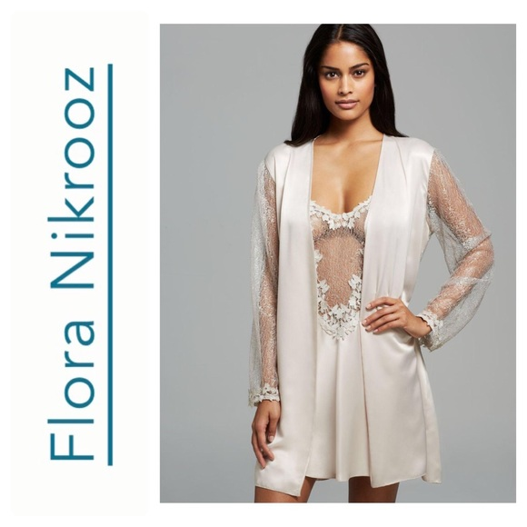 a2c16f715 NewFlora Nikrooz Women s Showstopper Cover-up Robe